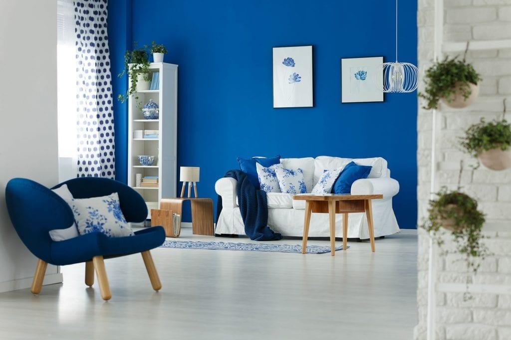 Fotográfia de un salón azul